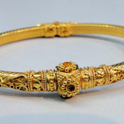 solid_gold_bangle